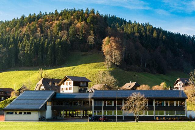 Schulhaus Trub 01